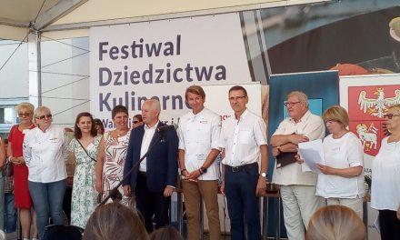"""Najlepszy miód to miód pochodzący od naszych pszczół z Warmii i Mazur. W Olsztynie odbył się 26 festyn """"Pszczoły i miód"""""""